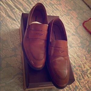 Beautiful Tan Calfskin Johnston & Murphy loafers